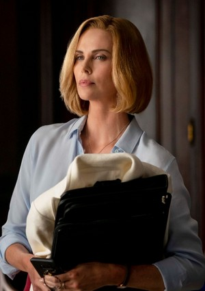 Charlize Theron vo filme Long shot