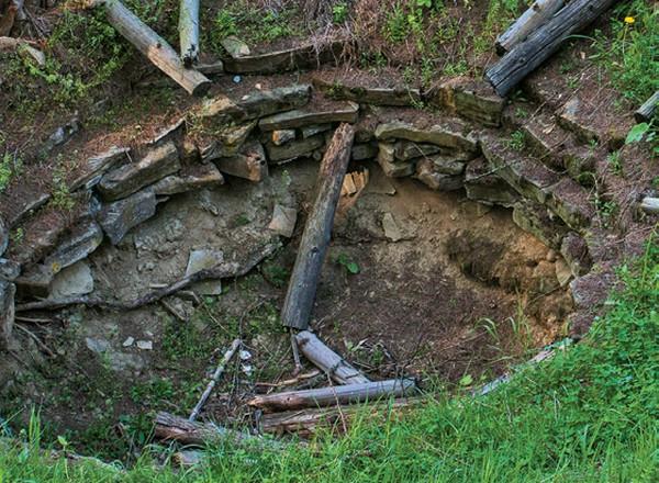 Desivá jama Havránok - záhadné miesta na Liptove