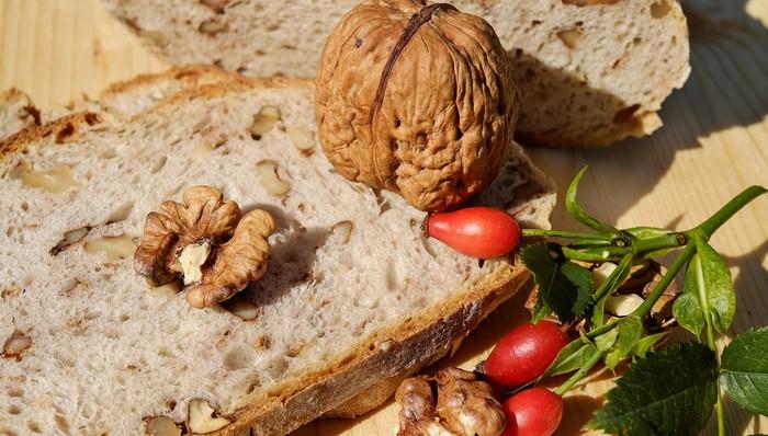 orechový chleba