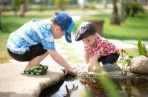 majú sa rodičia hrať s deťmi?