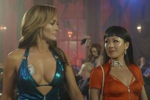 Jennifer Lopez a Constance Wu