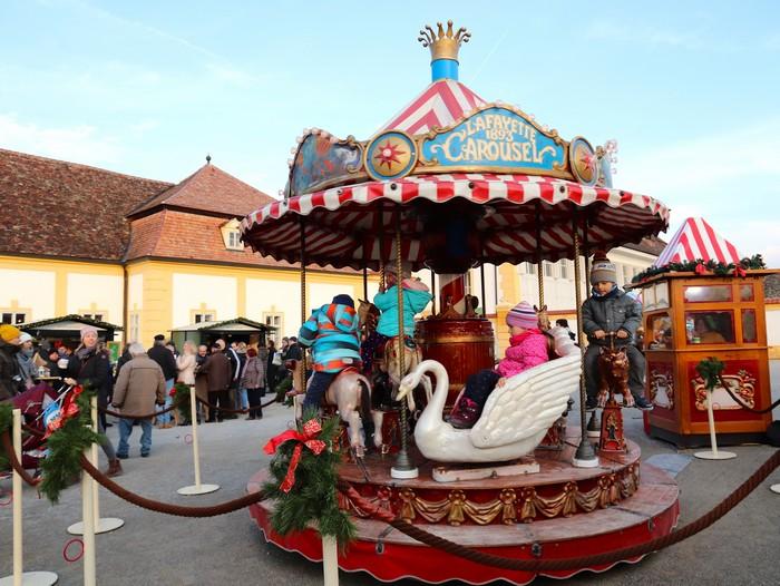 vianočné trhy Schloss Hof