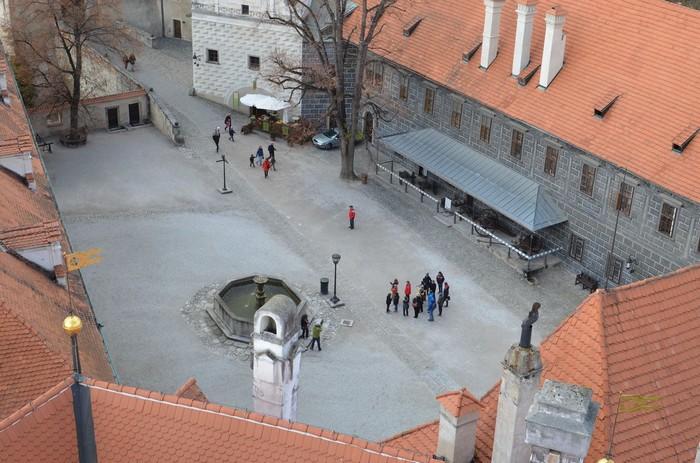 Jedno z nádvorí Štátneho zámku a hradu Český Krumlov
