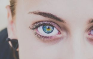 čo o nás hovorí farba očí