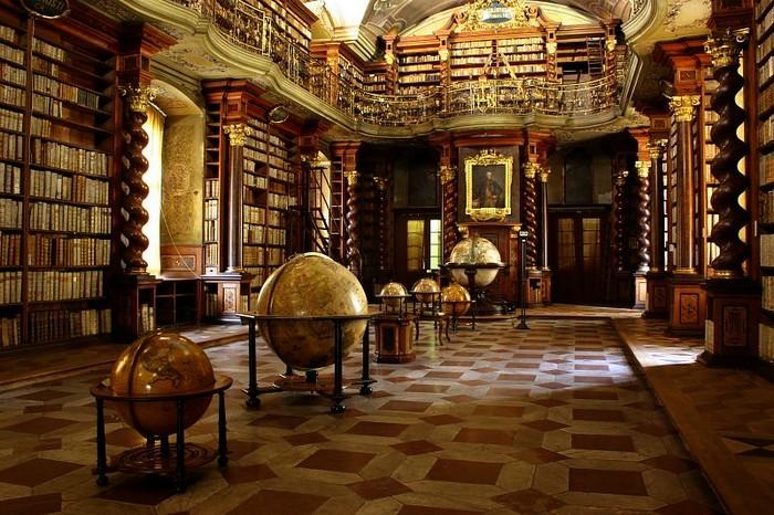 5 najkrajších miest na čítanie Klementinum