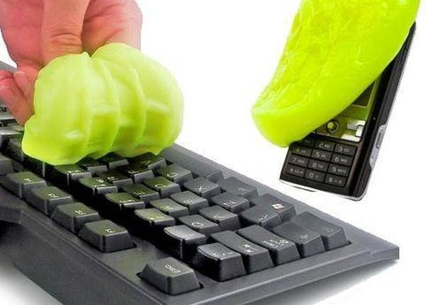 ako si správne vyčistiť klávesnicu a myš