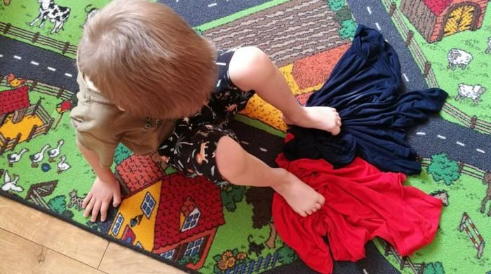 ploché nohy - cvik zhŕňanie uteráčika