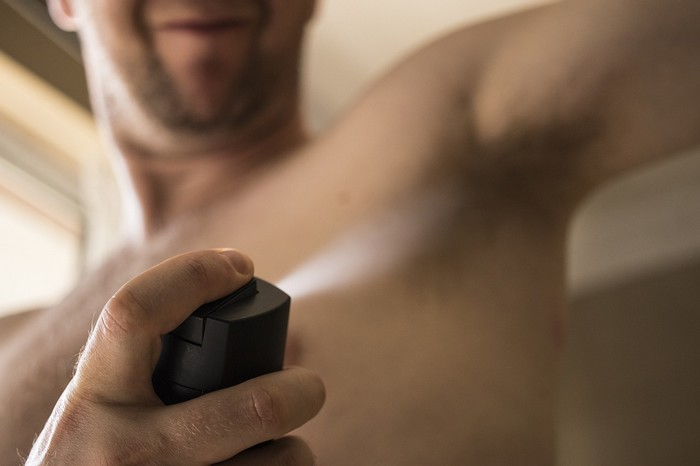 rozdiel medzi antiperspirantom a dezodorantom