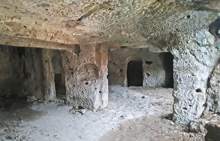 kamenné obydlia Hont