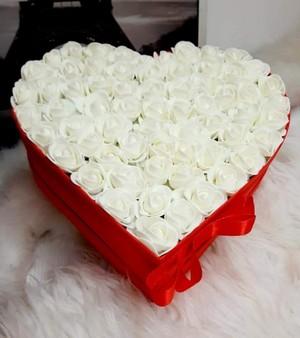 box ruží pre čerstvú maminku