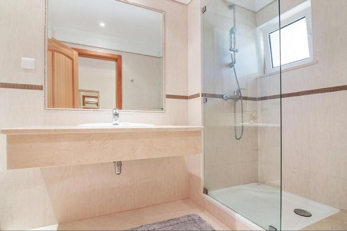 sprchový kút do malých kúpeľní