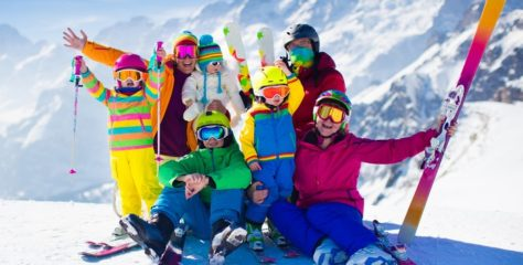 Celá rodina lyžuje sradosťou