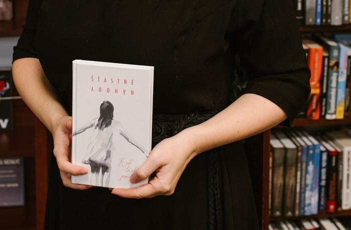 kniha, ktorá pomáha týraným ženám