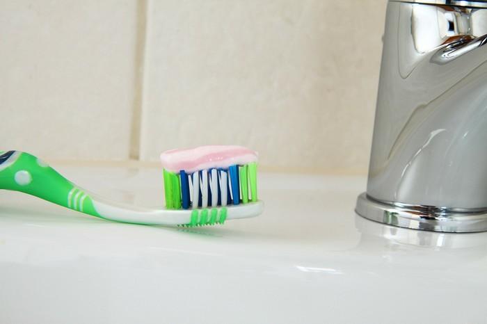 kefka a zubná pasta