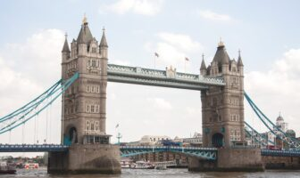tower bridge Londýn