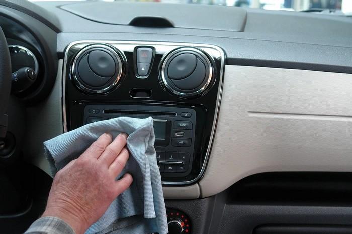 čistenie auta pripravte si auto na jar