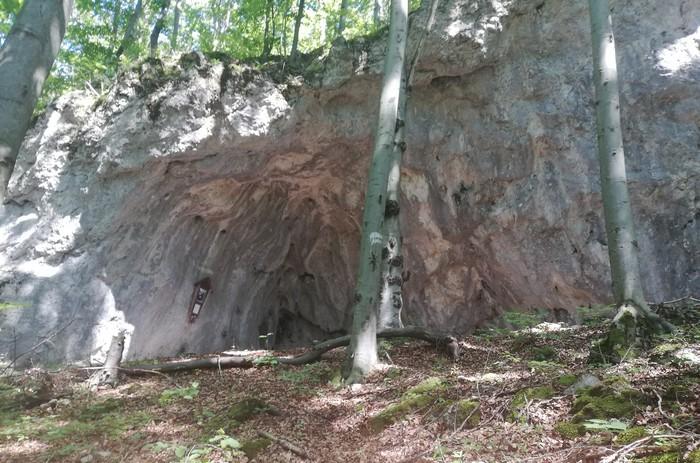 Jaskyňa Strážovské vrchy