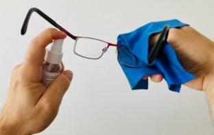 ako si správne čistiť okuliare