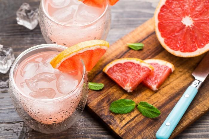 Grapefruit cocktail Kinley