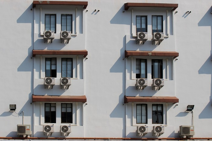 klimatizácia na budove