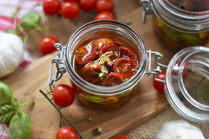 3 recepty z paradajok - sušené paradajky v oleji