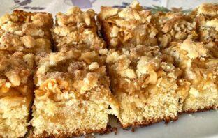 jablkový hrnčekový koláč recept